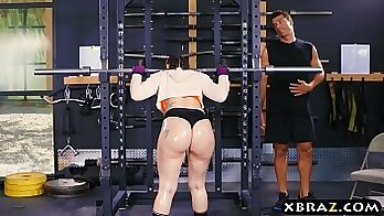 Big ass babe anal dicksucks and sucks