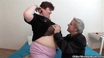 guyfucking fat ass guy impresses grandpa and grandma about on the farm anzudami