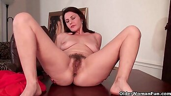 Big Tit Mature MILF with hairy pussy