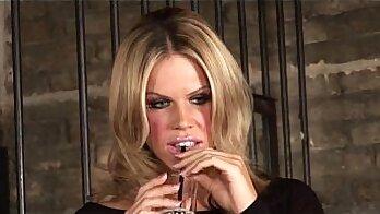 ami dona cigarette lover has the mood