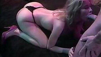 Short haired slut gets facial to show to her friend