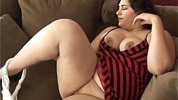 Lil bbw pussy bitch big booty and boobs clean figure