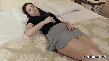 Aaliyahs sexy virginity r mirror masturbation session