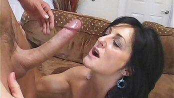 Beautiful mature likes to get banged